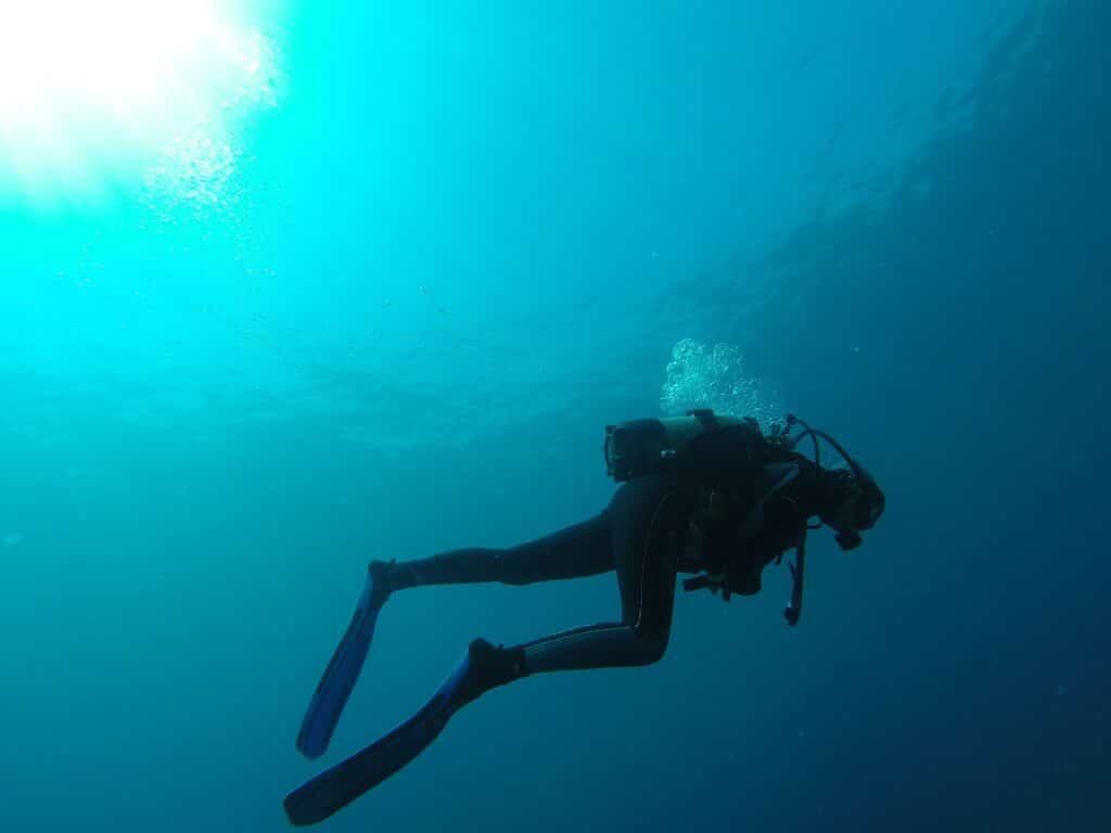 diver, sea, bubbles-752667.jpg